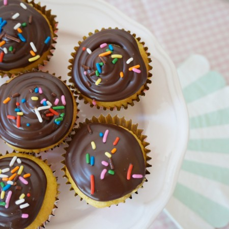 Easy Ganache Cupcake Frosting - 07